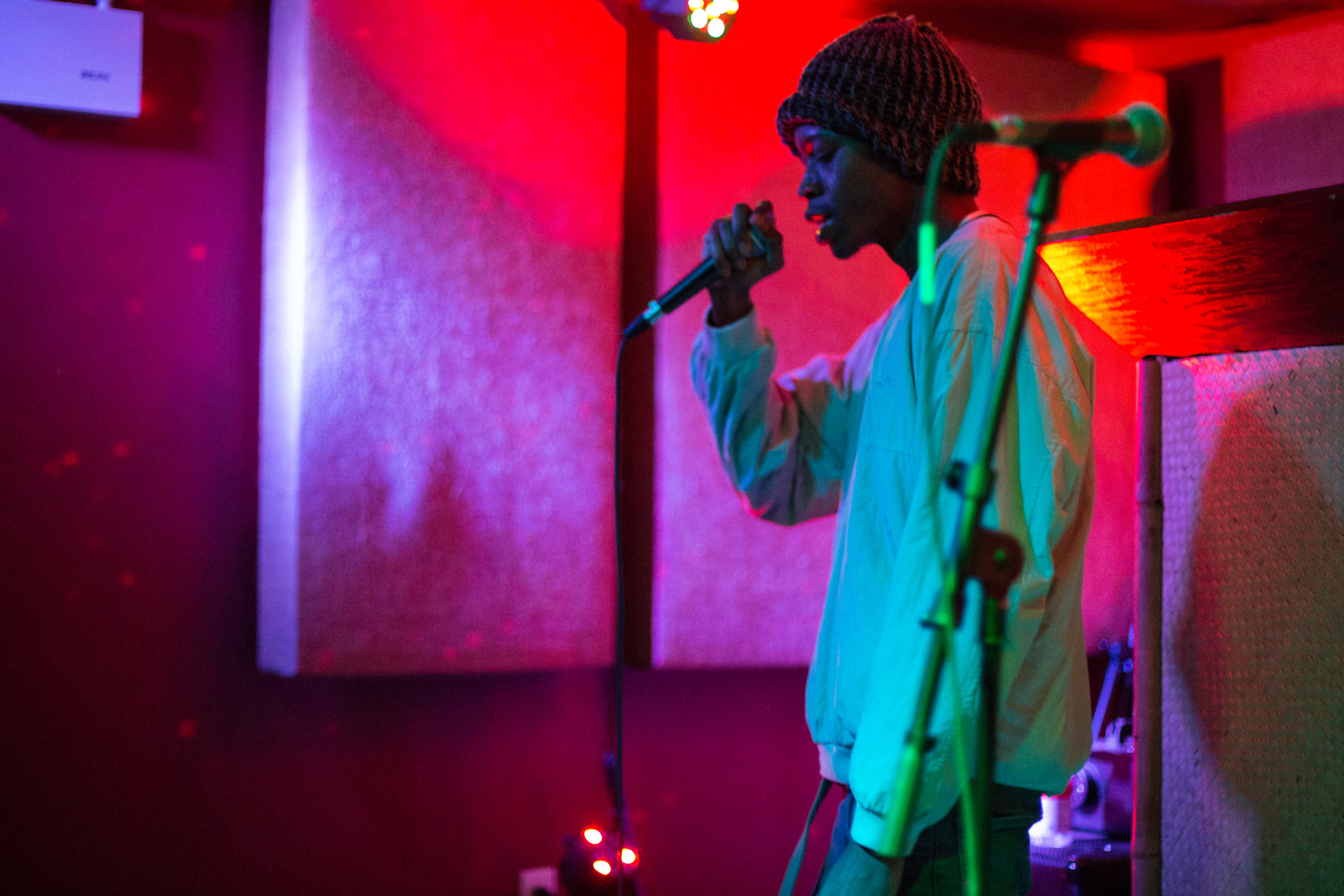 Deem Spencer showing his lyrical talent at The Safari Room. Photo courtesy of Sergio Carrasco.