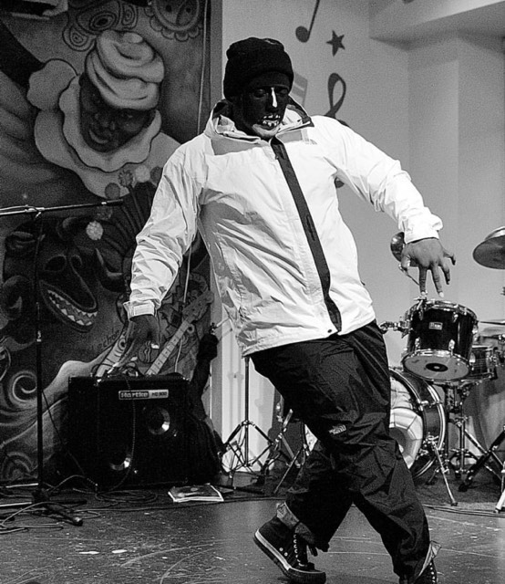 Mister Salon gettin down at BMHC. Photo courtesy of A. Quiles.