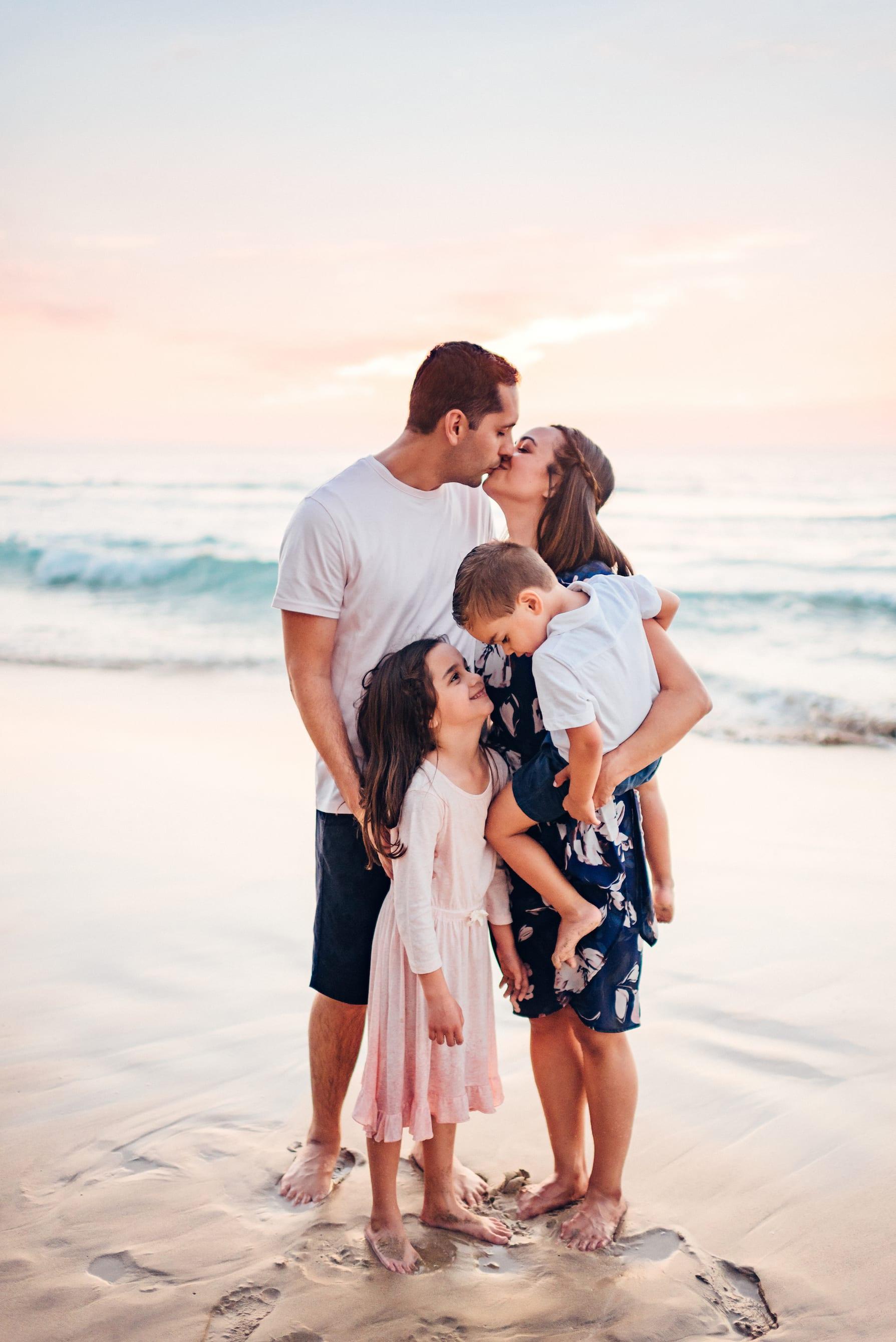 Waikoloa-Hawaii-Family-Photographer-Beach-13.jpg