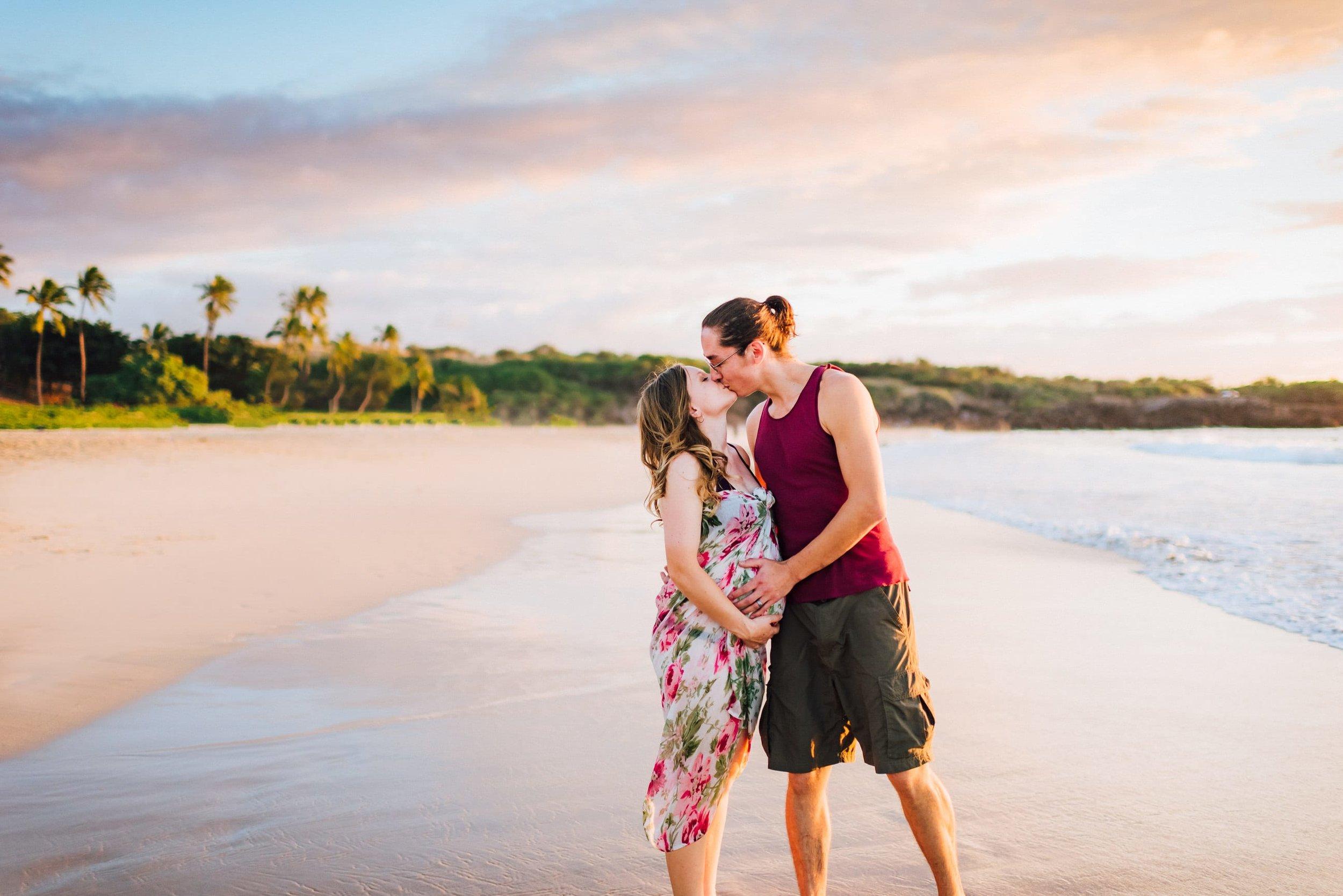 Big-Island-Photographer-Maternity-Babymoon-Hawaii-6.jpg