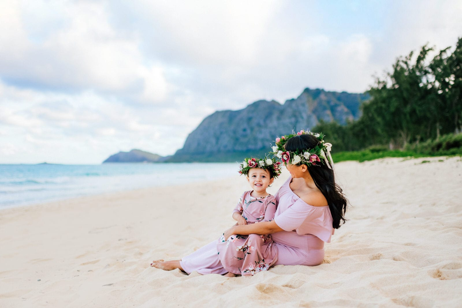 Oahu-Maternity-Photographer-Love-Haku-Flower-Crown-Water-1.jpg