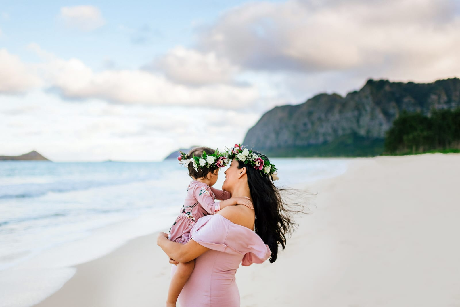 Oahu-Maternity-Photographer-Love-Haku-Flower-Crown-Water-5.jpg