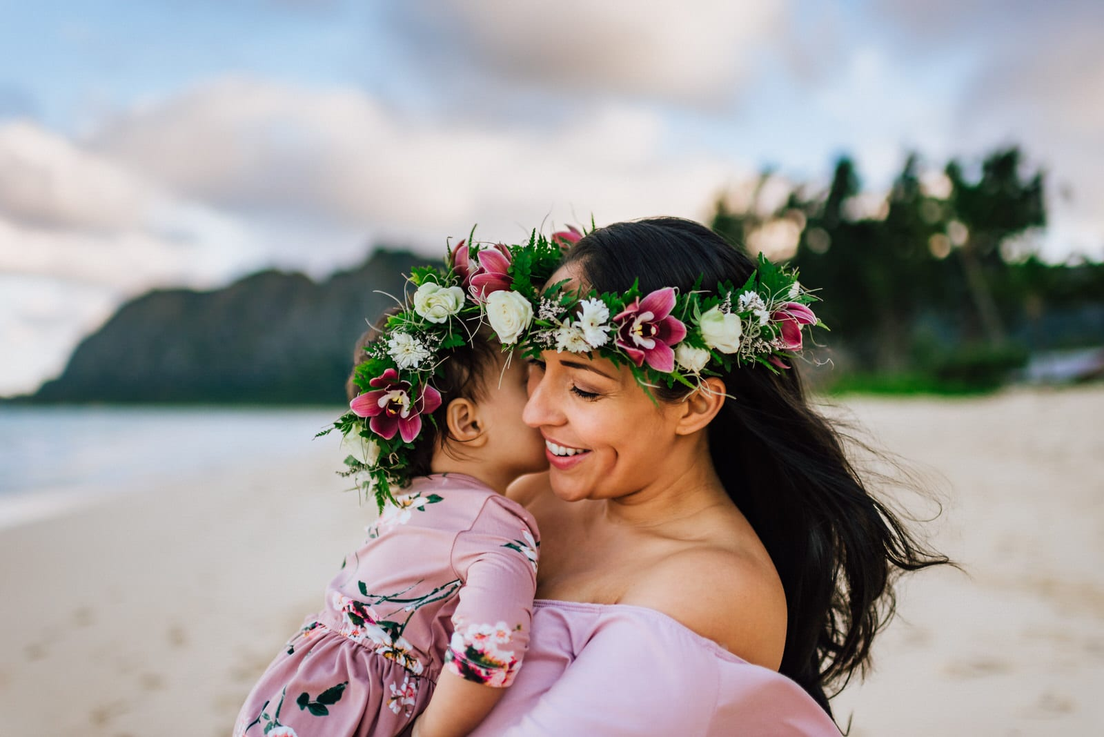 Oahu-Maternity-Photographer-Love-Haku-Flower-Crown-Water-9.jpg
