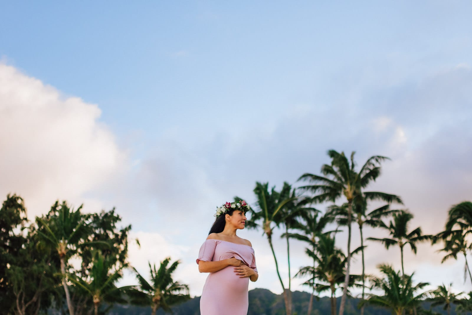 Oahu-Maternity-Photographer-Love-Haku-Flower-Crown-Water-10.jpg
