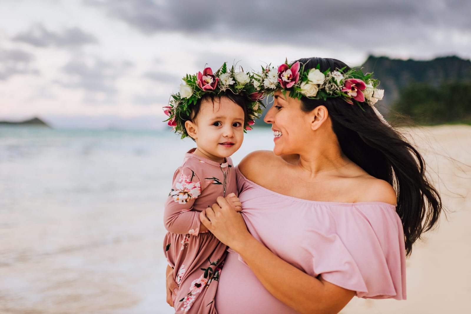 Oahu-Maternity-Photographer-Love-Haku-Flower-Crown-Water-22.jpg