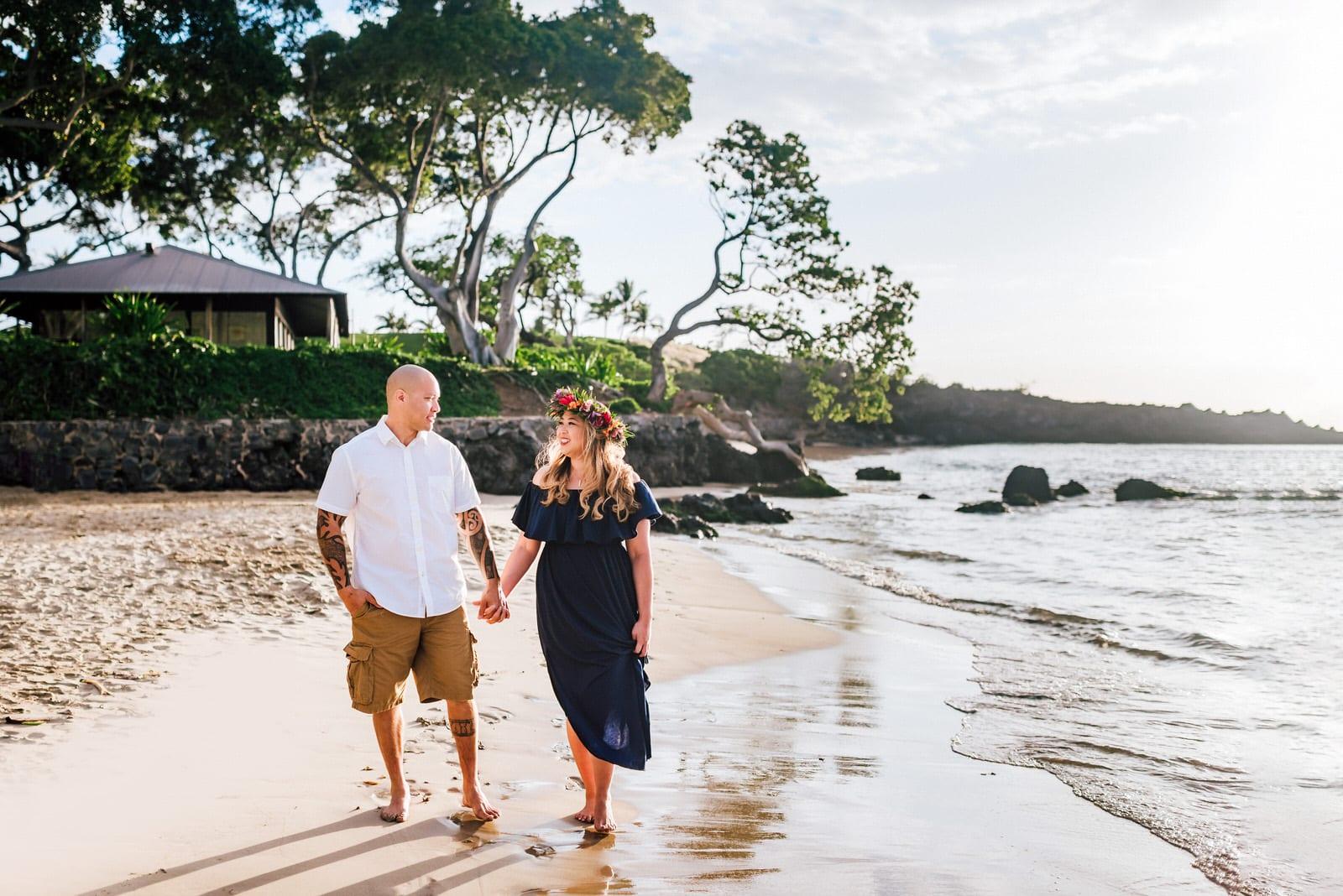 Family-Photographer-Mauna-Kea-Hotel-Large-Family-Colorful-Sunset-5.jpg