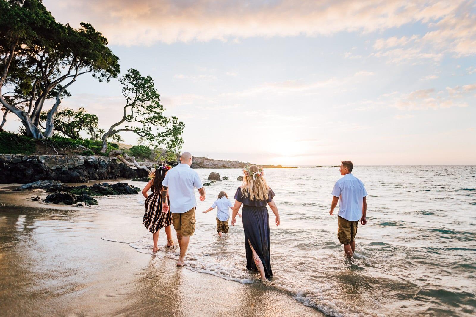 beach-family-photos-hawaii-flower-crown-27.jpg