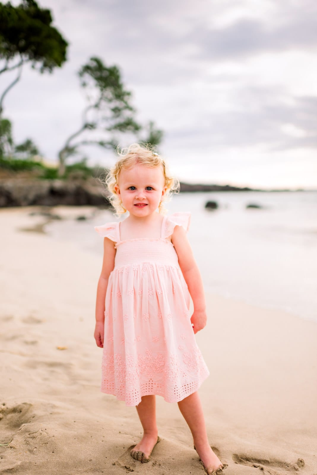 beach-family-photos-hawaii-flower-crown-7.jpg