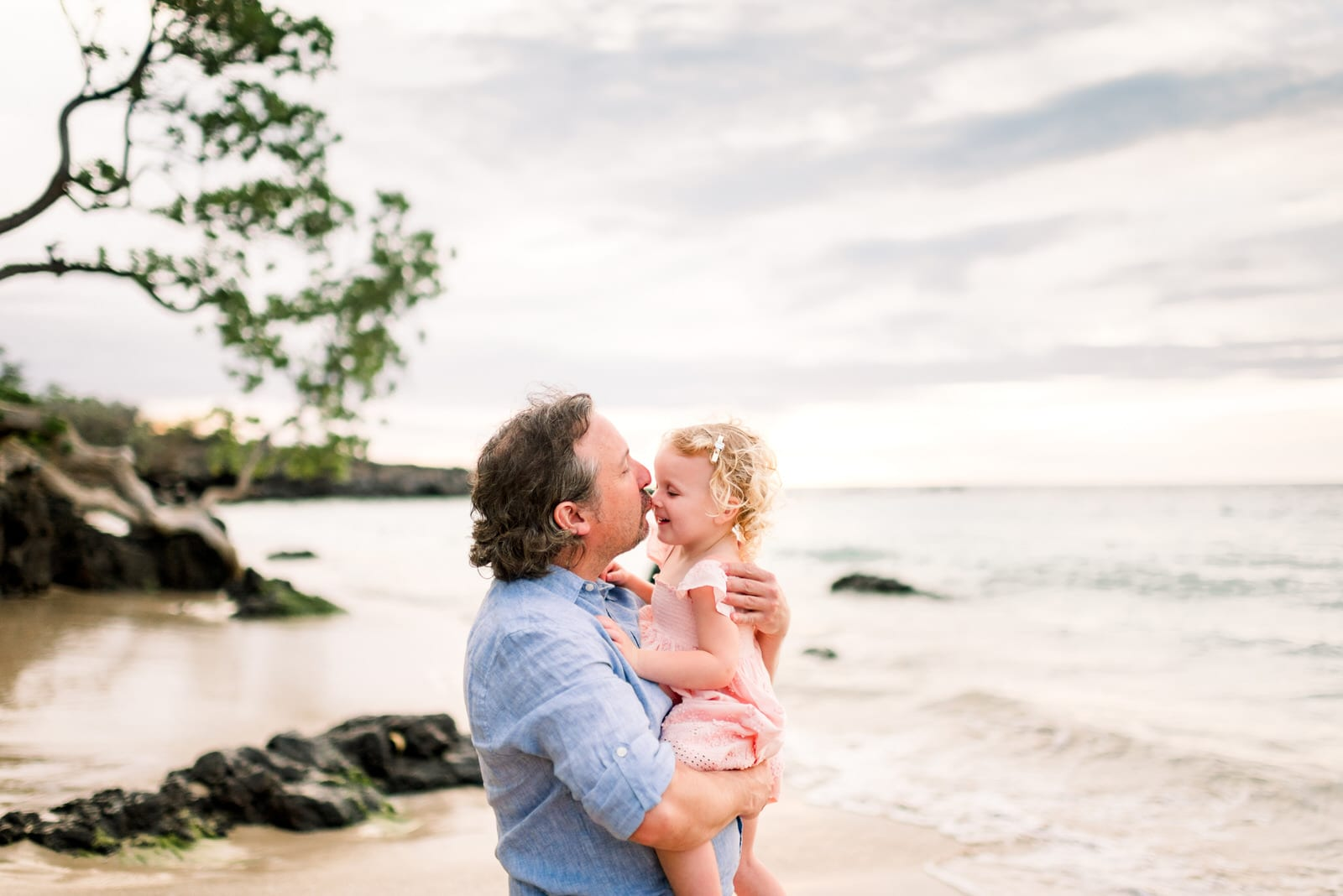 beach-family-photos-hawaii-flower-crown-21.jpg