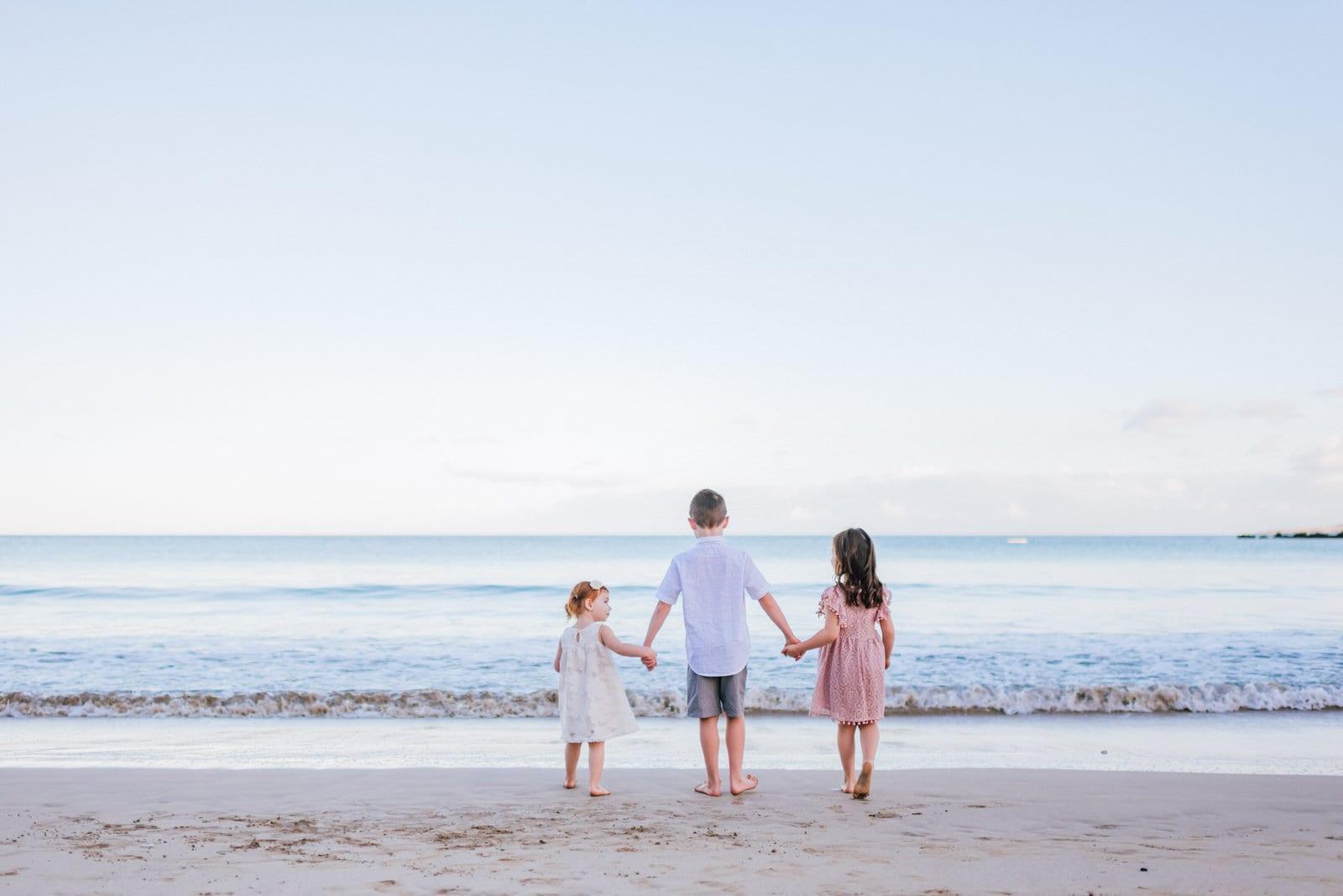 beach-family-photos-sunrise-hawaii-photographers-17.jpg