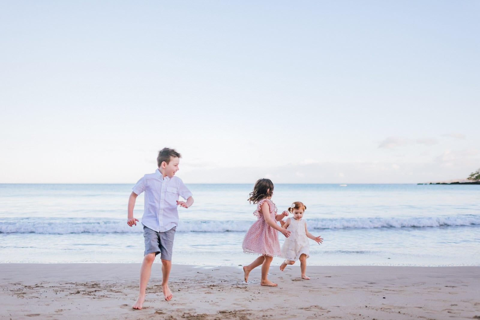 beach-family-photos-sunrise-hawaii-photographers-18.jpg