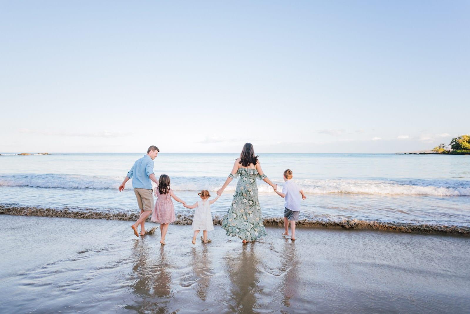 beach-family-photos-sunrise-hawaii-photographers-27.jpg
