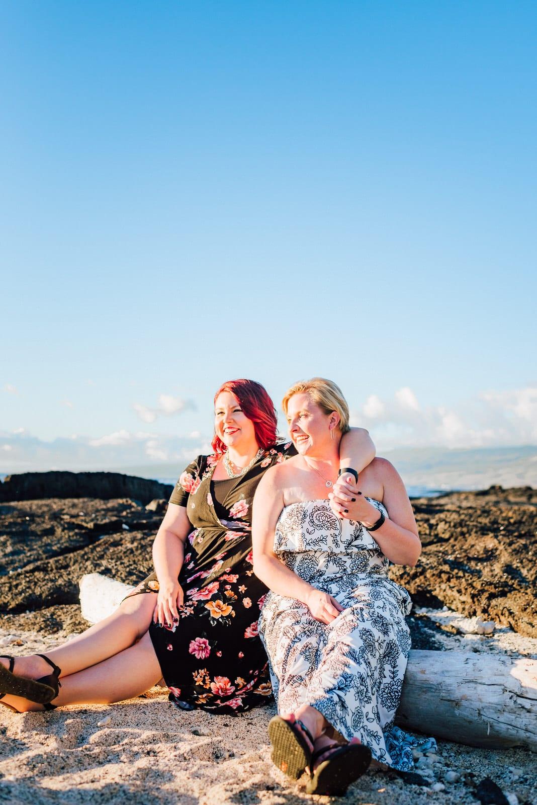 kona-photographer-babymoon-hawaii-lava-rocks-7.jpg