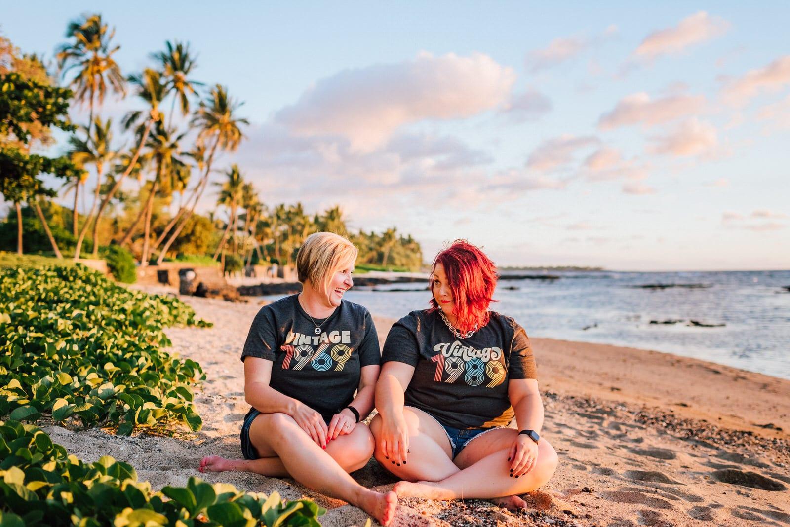 kona-photographer-babymoon-hawaii-lava-rocks-17.jpg