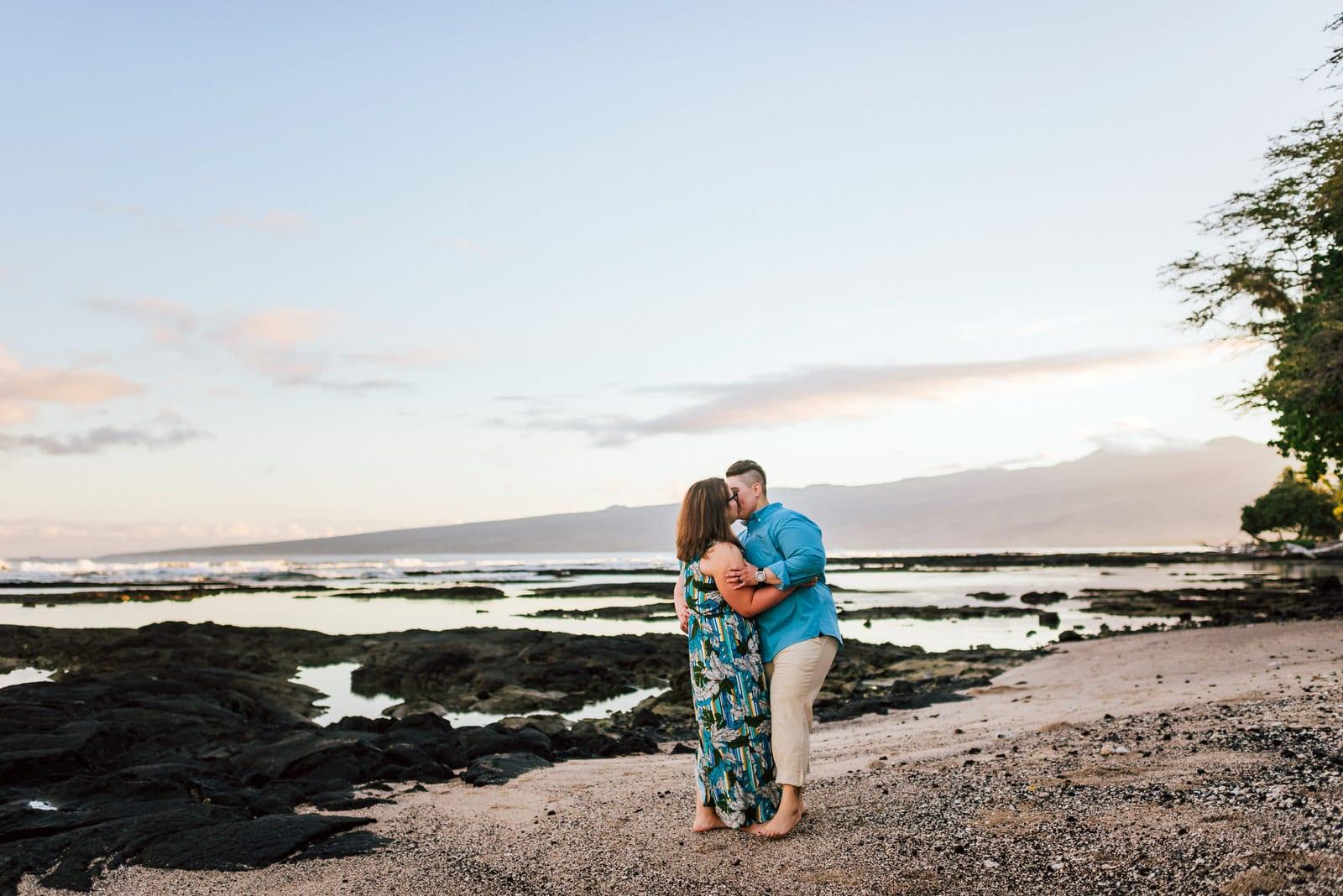 hawaii-photographer-lgbt-sunrise-honeymoon-9.jpg