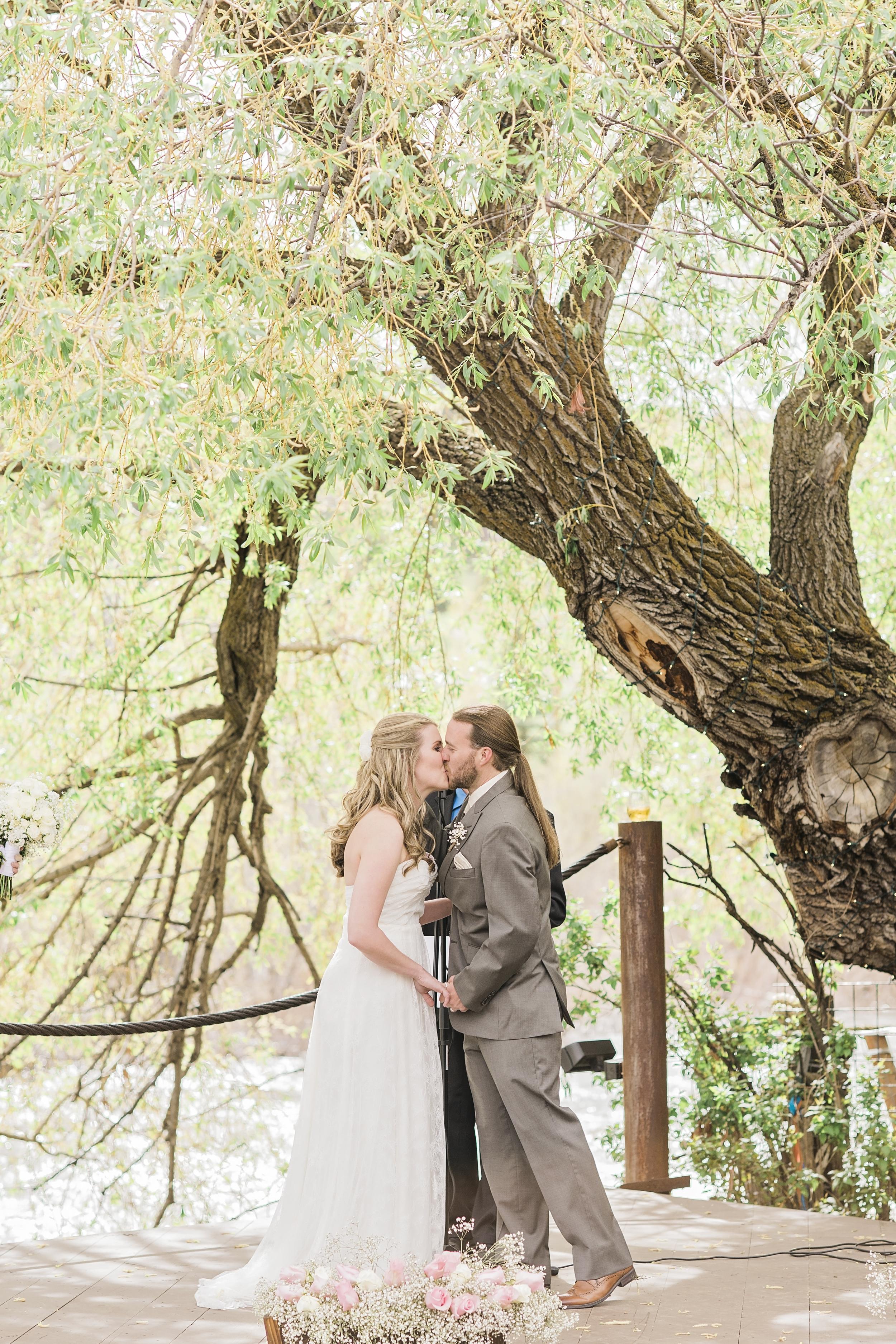 Brandon&Jackie_Wedding_Photos51015.jpg