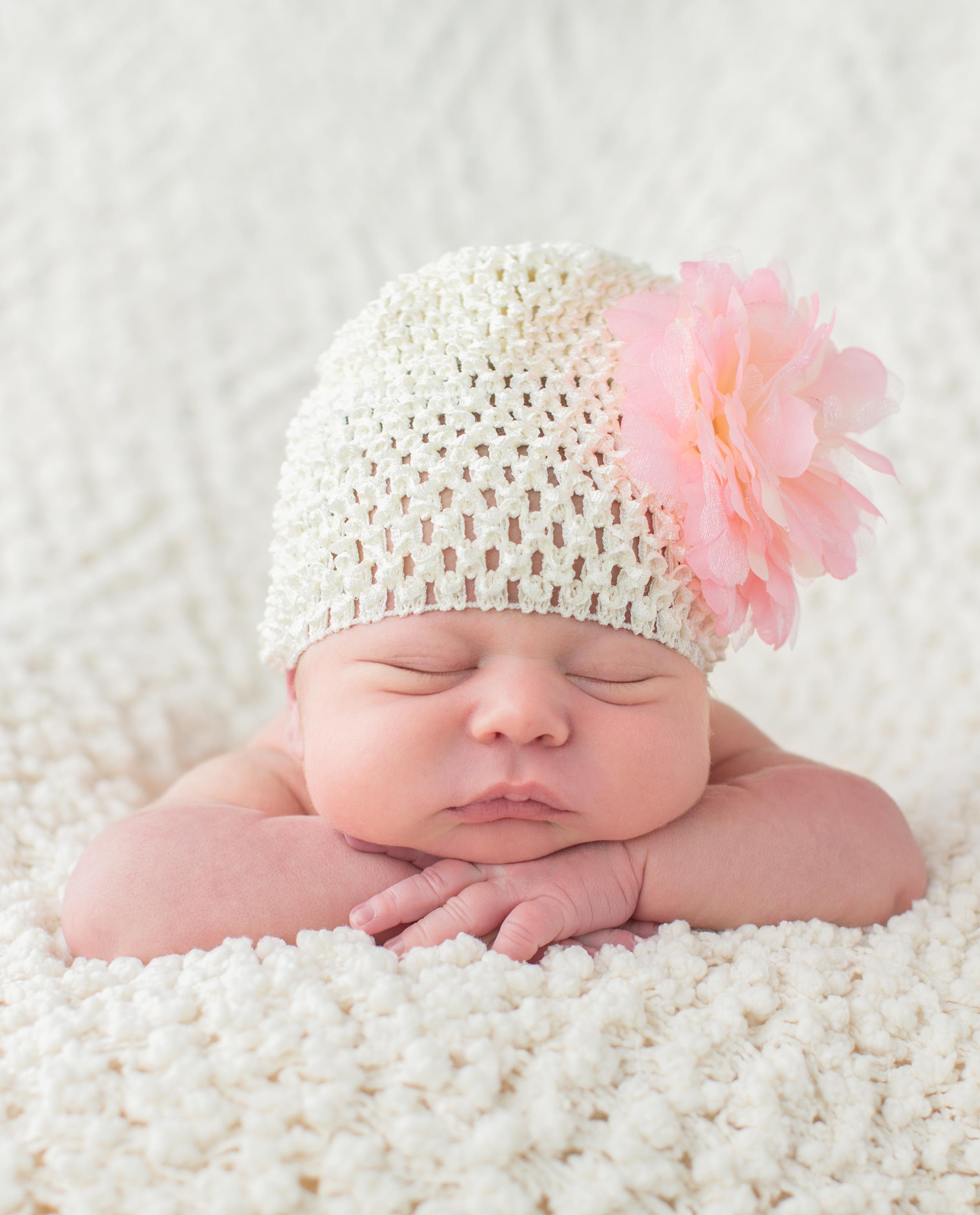 chubby cheek newborn .jpg