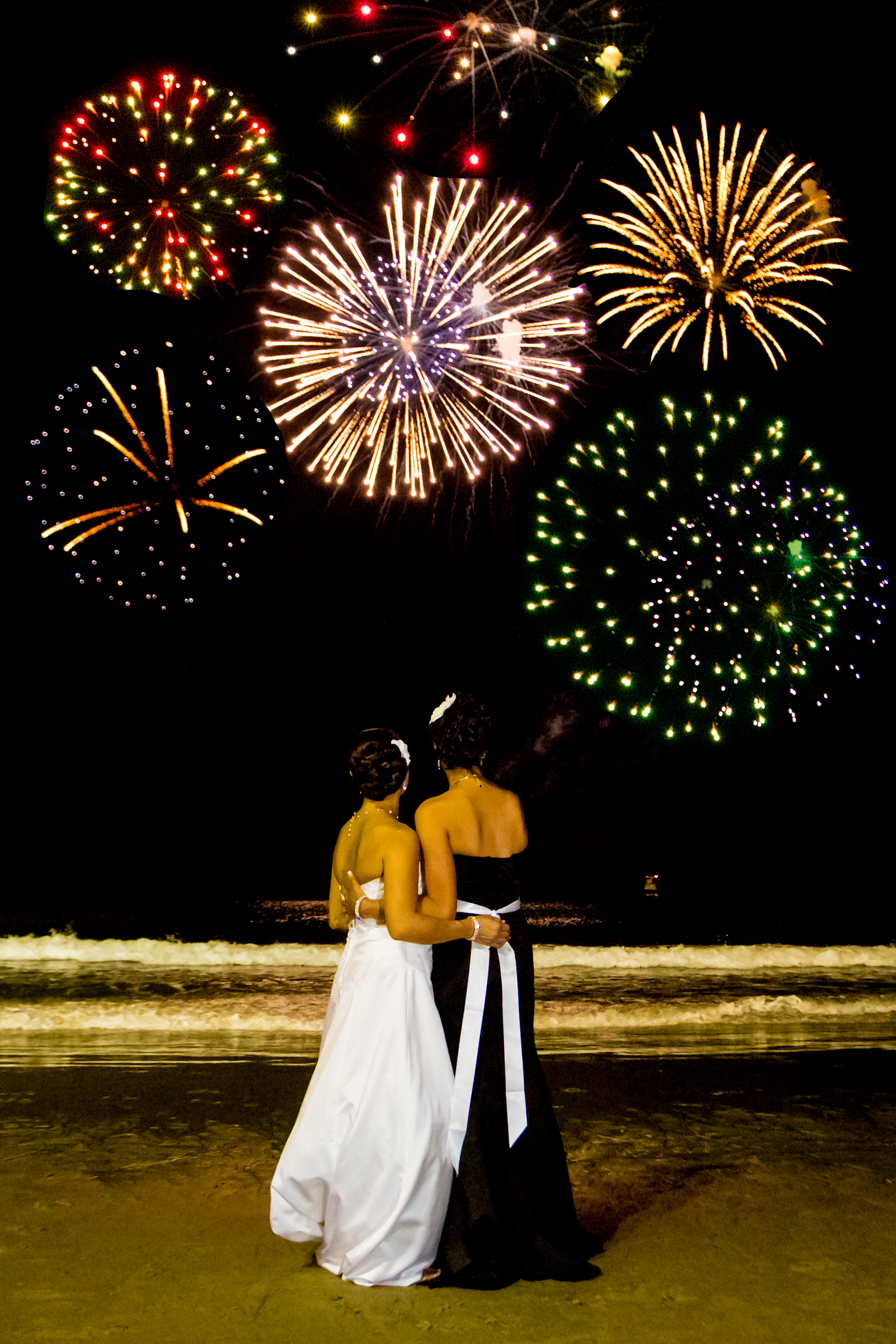 wedding fireworks love beach salisbury ma .jpg