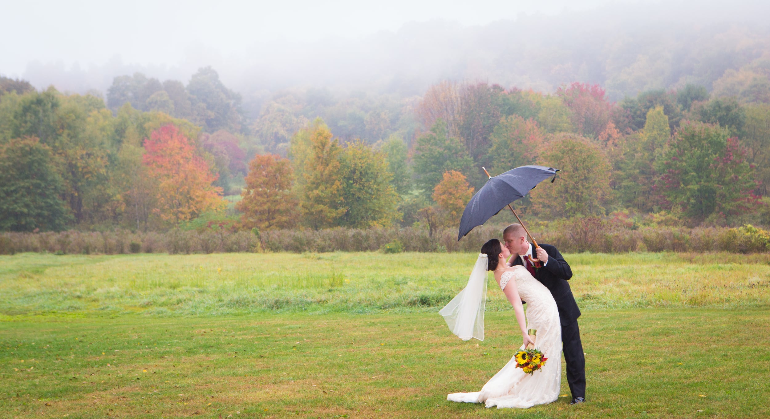 rainy day wedding photography