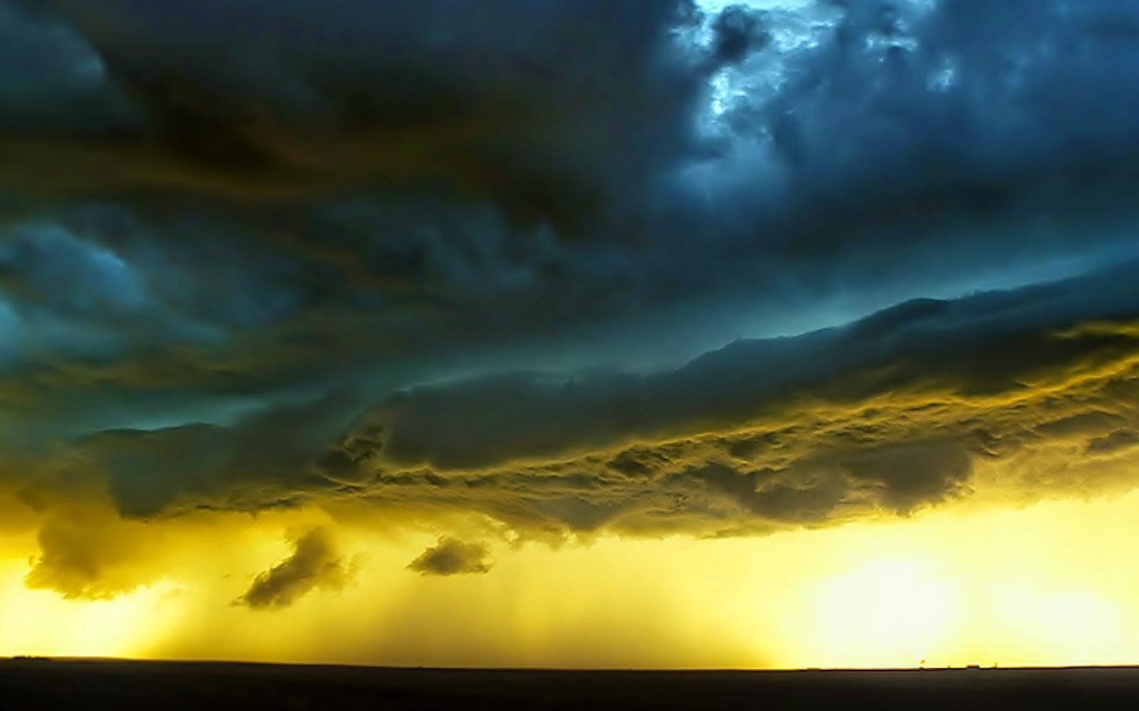 storm-clouds-wallpaper-thunderstorms-nature_00431186.jpg