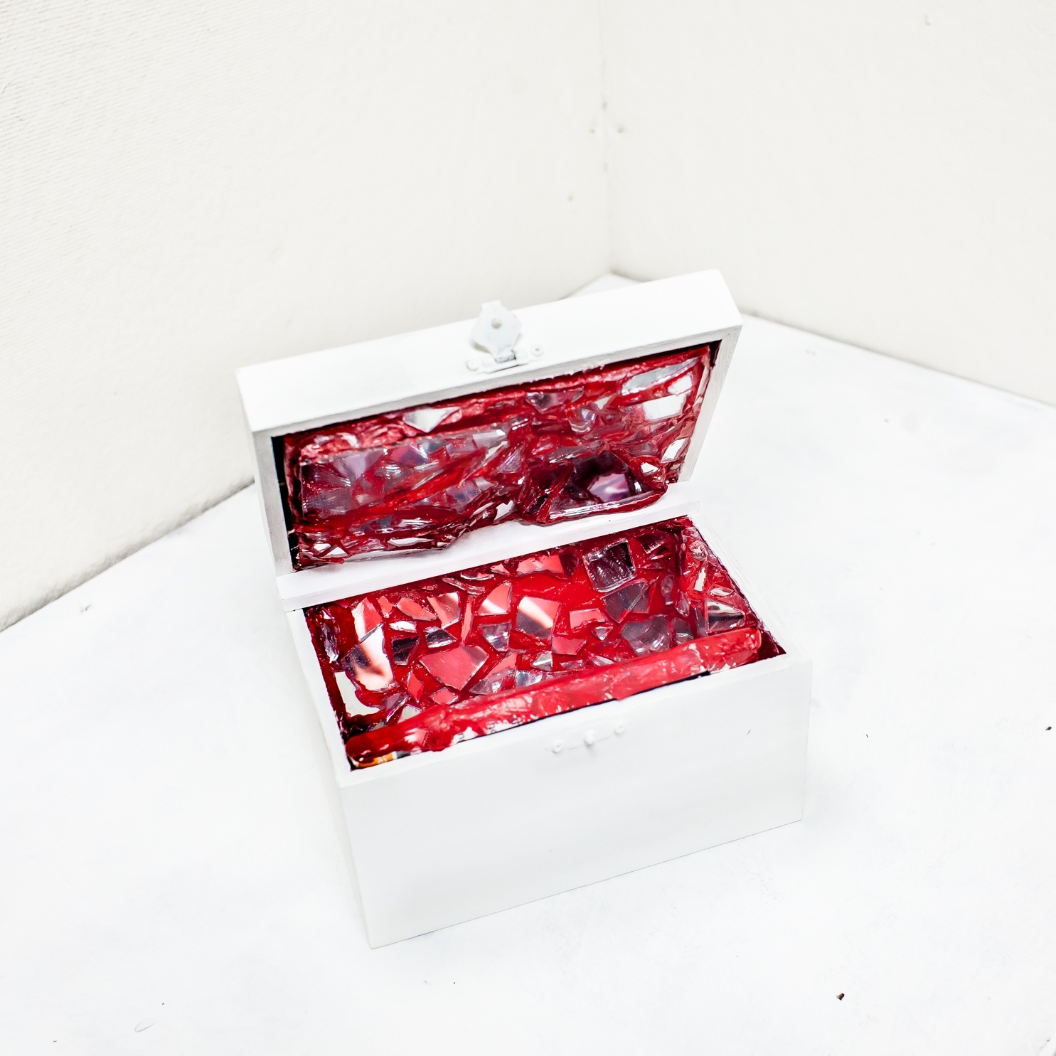 Box of Red i. - 2017