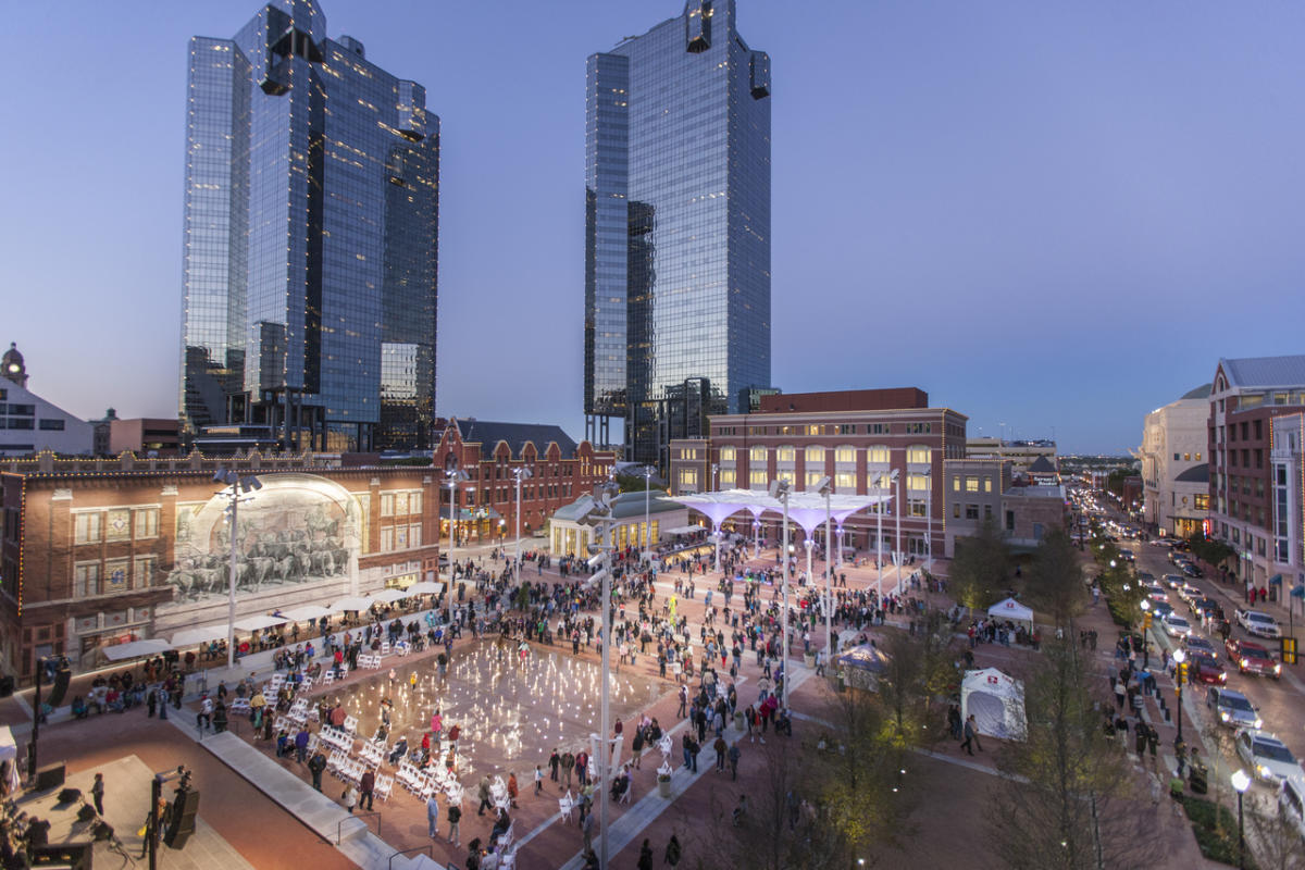 Sundance Square & Downtown - Sundance Square is a 35-block shopping and entertainment district with restored buildings and grand skyscrapers. It's quite a tourist attraction with plenty of crowds on the weekends, so prepare to be patient to get the best photographs.