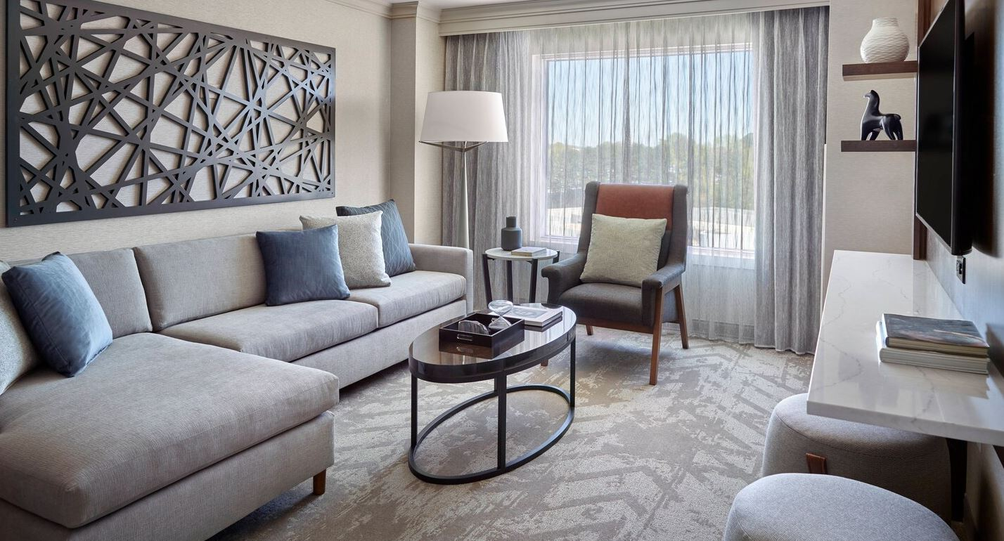 MARRIOTT-ATLANTA GATEWAY-SUITE-2.JPG