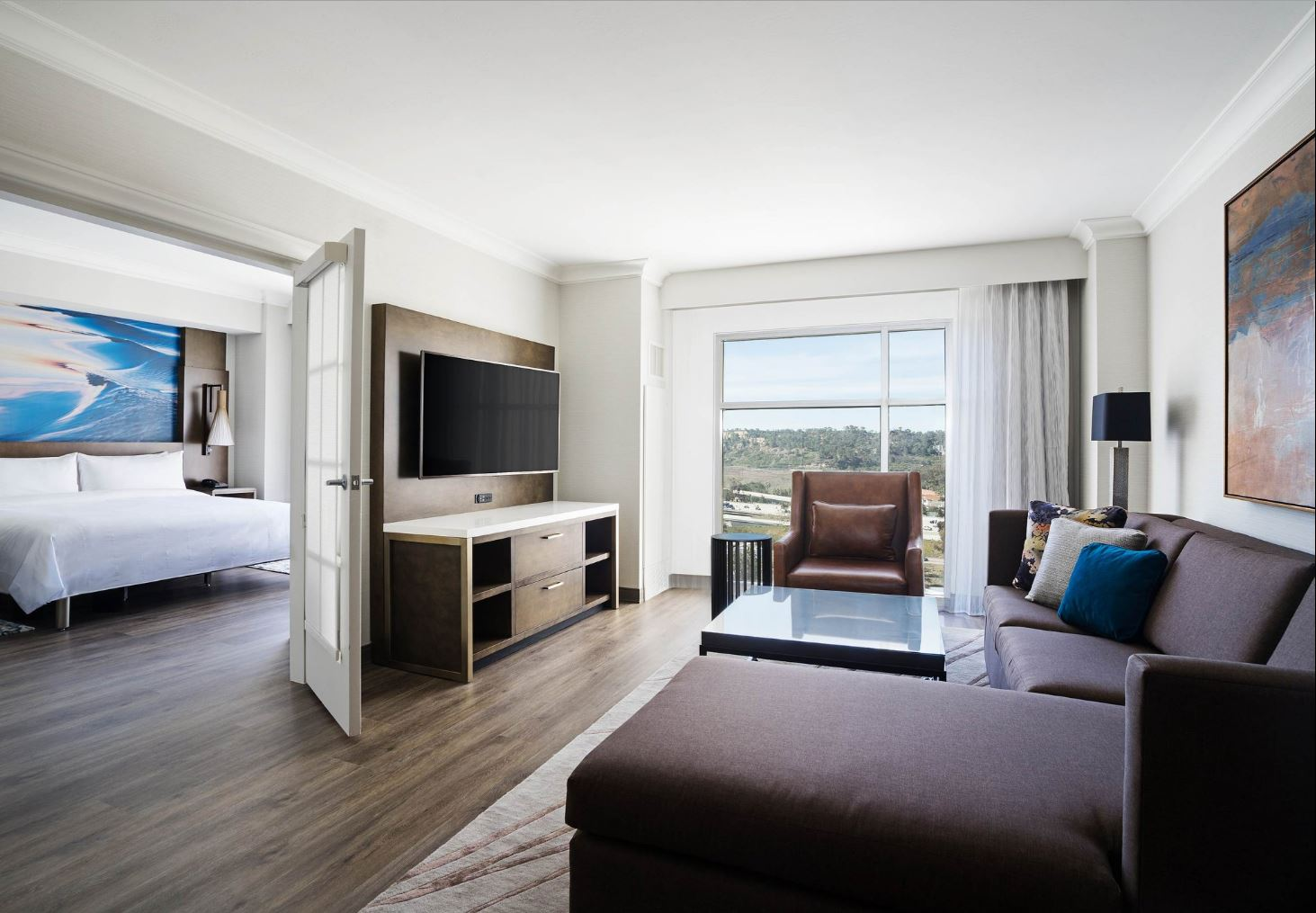 MARRIOTT-DEL MAR-SUITE.JPG