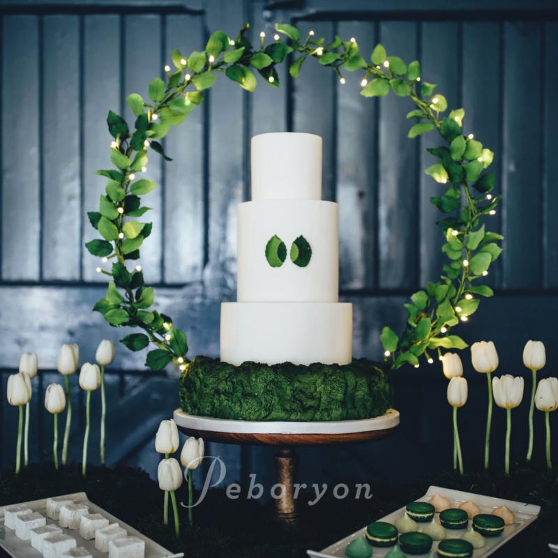 170426-peboryon-wedding-cake-collection-foliage-green-hoop-leaves.jpg