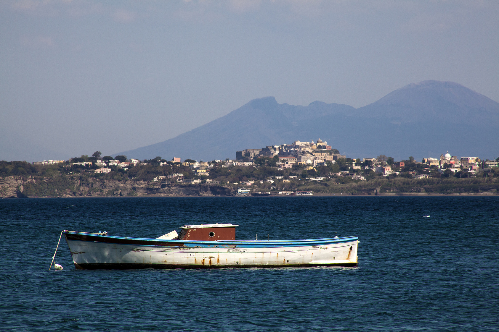 boat and vesuvius.jpg