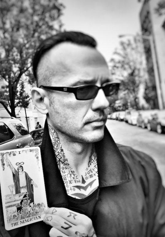 Damien_magician-portrait.jpg