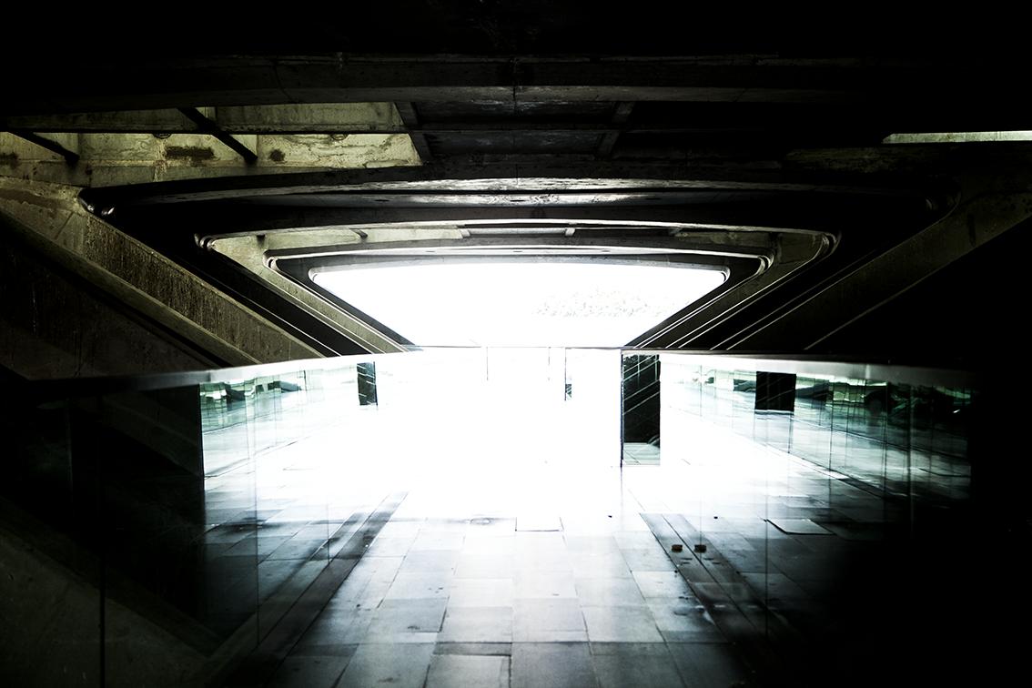 A saída (descobri que pra pra tudo) foi imergir na pescaria pela Estação do Oriente, que tem umgrande valor na arquitetura e viajantes diferentes.