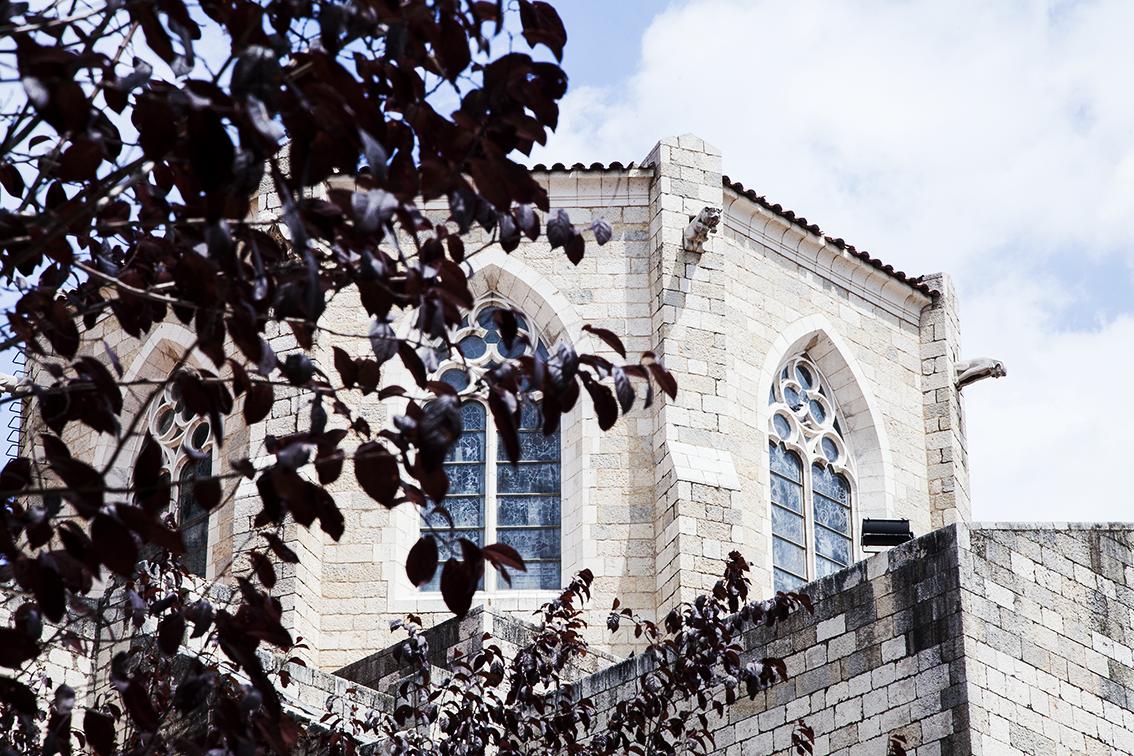 """A Igreja de São Pedro me fez lembrar do quanto gosto do estilo gótico, quando não combinado à palavra """"suave""""."""