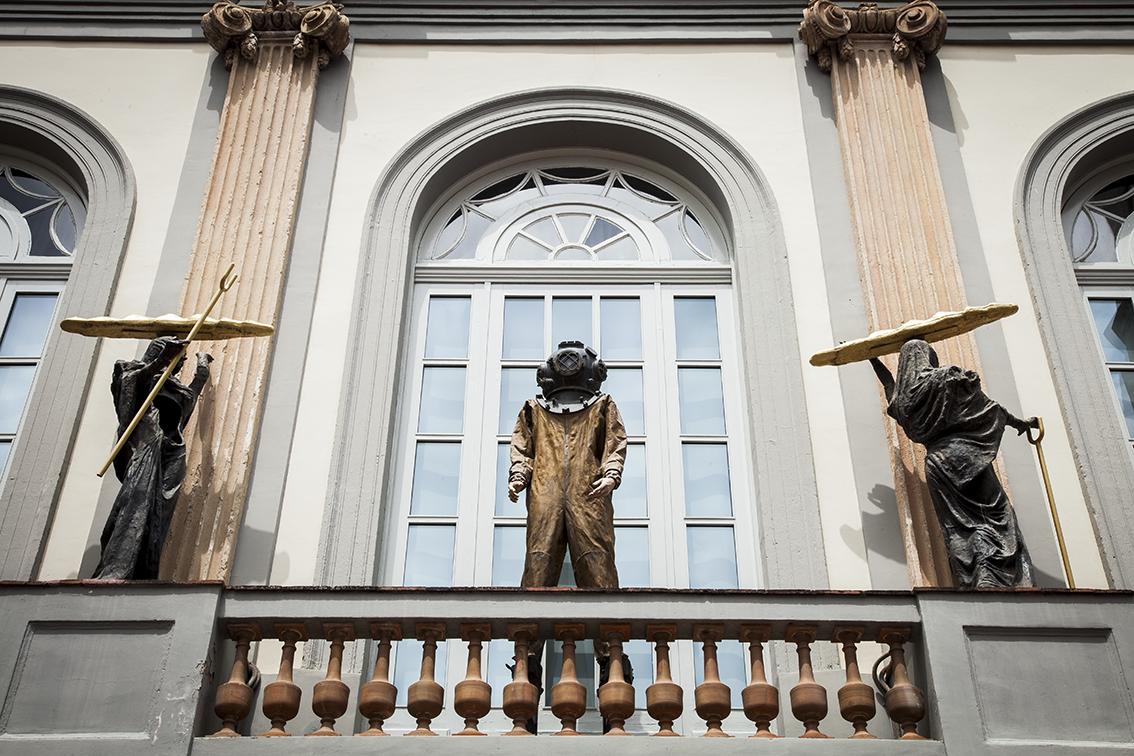 fachada do museu / prenúncio