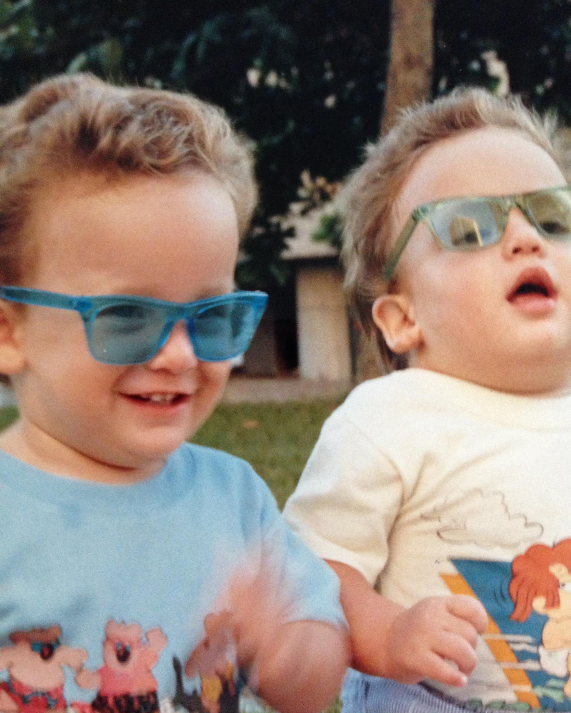 Foto 5 (don't believe the hype combinando óculos com a estampa)