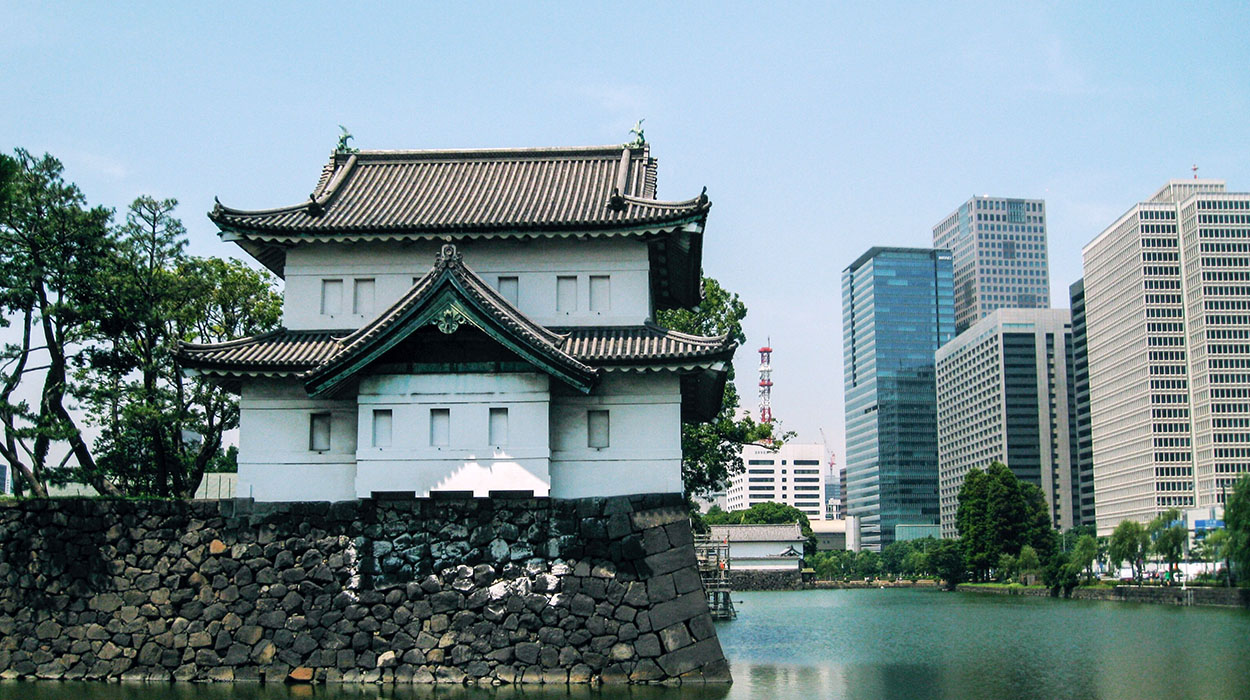tokyo-palace.jpg