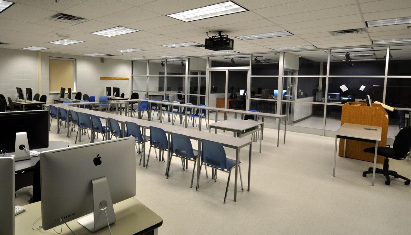05_Lab wide.jpg