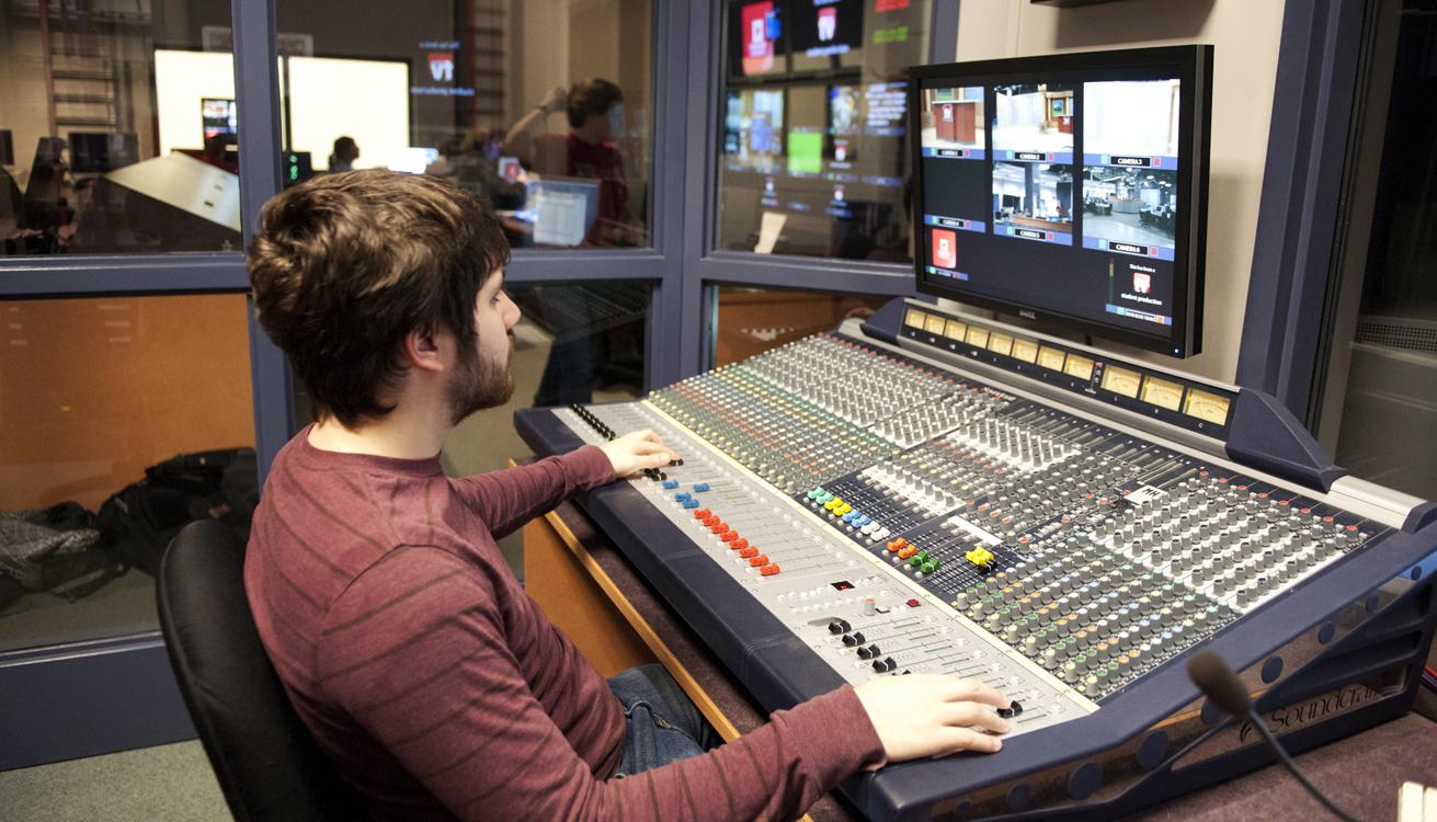 08_Audio Room.jpg
