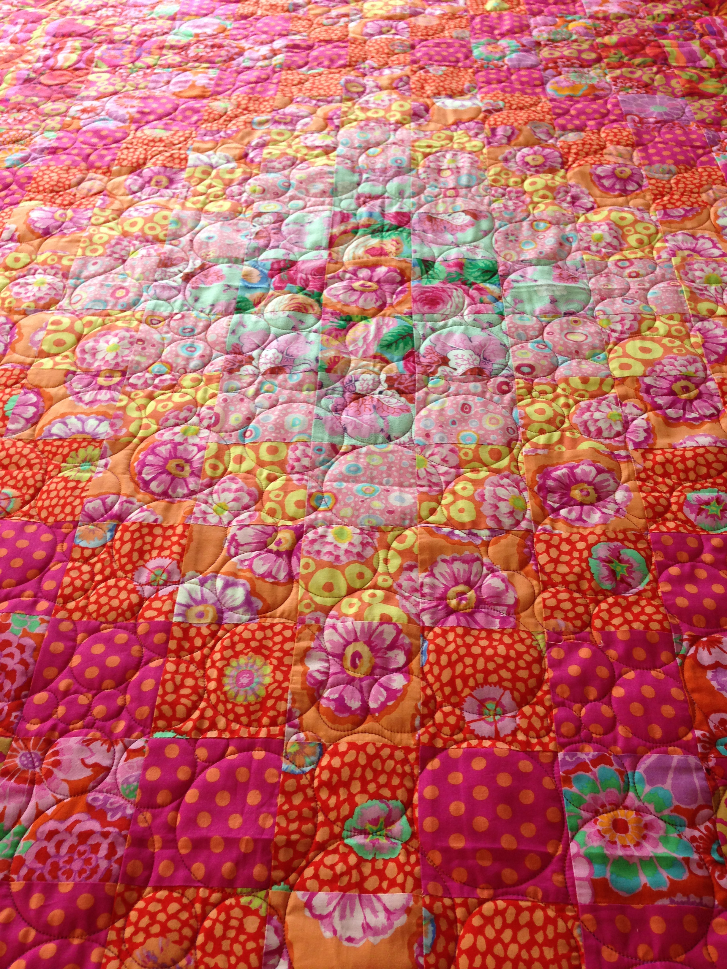 Kaffe Fasset Bloom Quilt stitched in Bubbleplay.