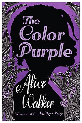 - Celie växer upp i den amerikanska svarta södern i början av 1900-talet. Hon utnyttjas sexuellt av sin far och blir tilldelad sin man Albert. Hennes nya hem blir inte mycket bättre men kvinnor i hennes omgivning lär henne att tro på sig själv.