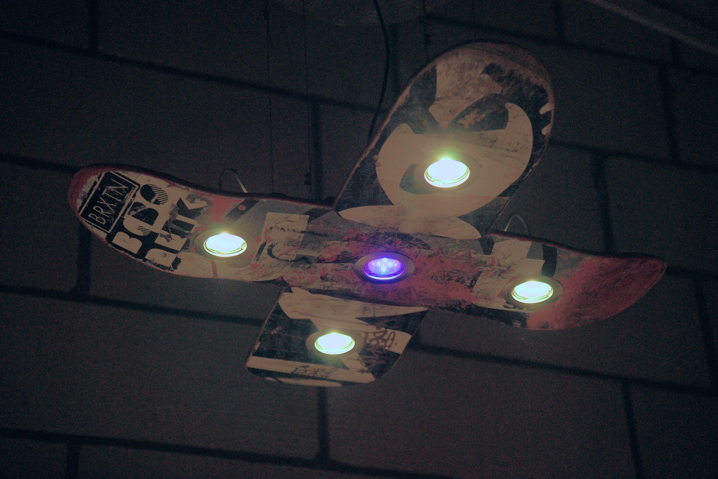 Skate Lamp X