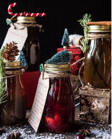 Half Baked Harvest has the good stuff! Check out these simple syrup recipes perfect for your holiday drinks. This is a great gift to have around the house for that cousin or friend who always show up last minute!