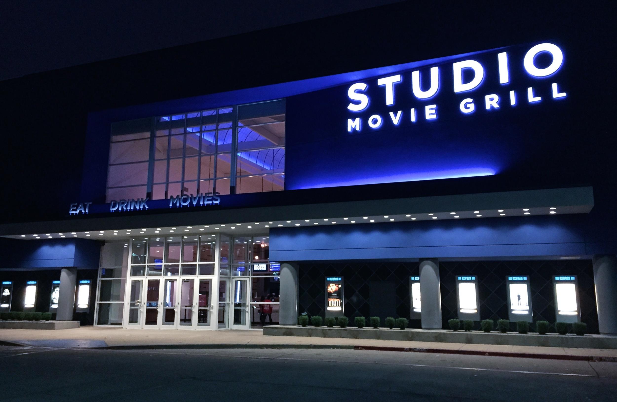 Theater 4.jpg