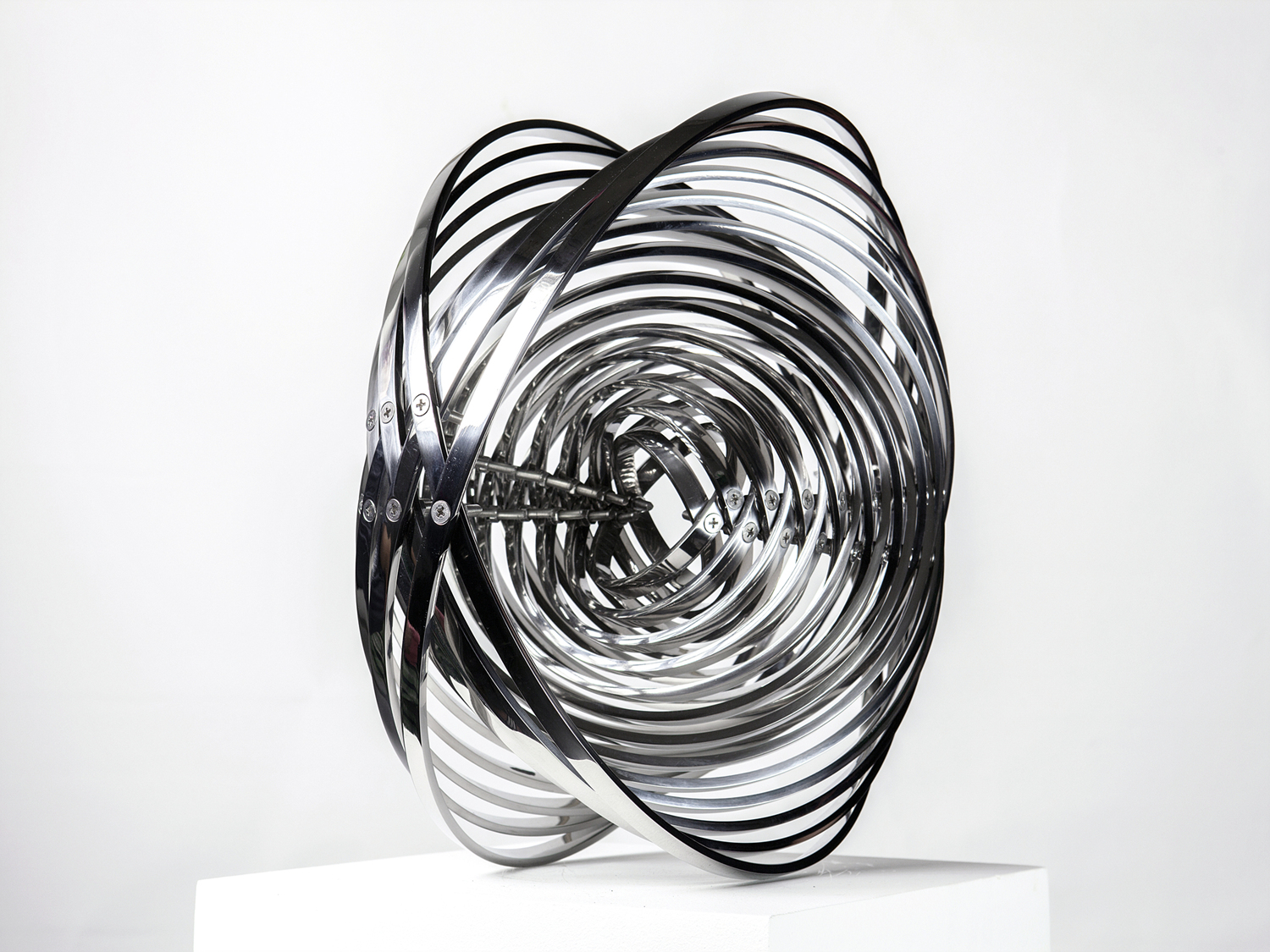 Energy 15   38X40X20cm, Stainless steel, Bolts, Nuts 2014.jpg