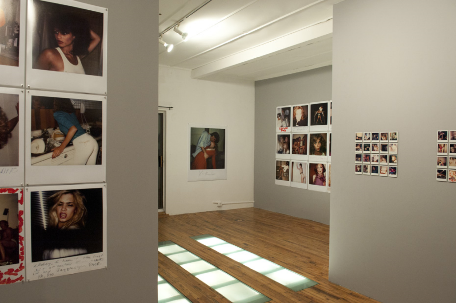Image: Robert Whitman, F***ed Up In Minneapolis, installation view /    ©   Robert Whitman   ©   Black & White Gallery/Project Space