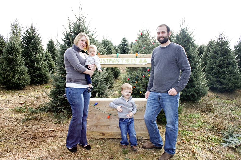 christmas-tree-farm-photos-blacksburg-photographer_0004.jpg