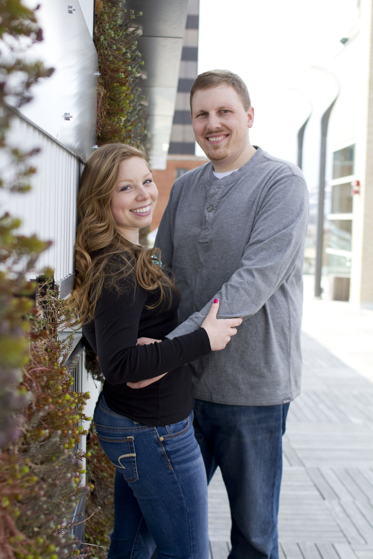 Downtown_Roanoke_Engagement_Photos_Lydea-and-Stephen-_0007.jpg