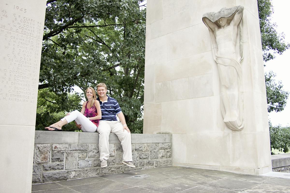Virginia-Tech-Engagement-Photos-Blacksburg-_0007.jpg