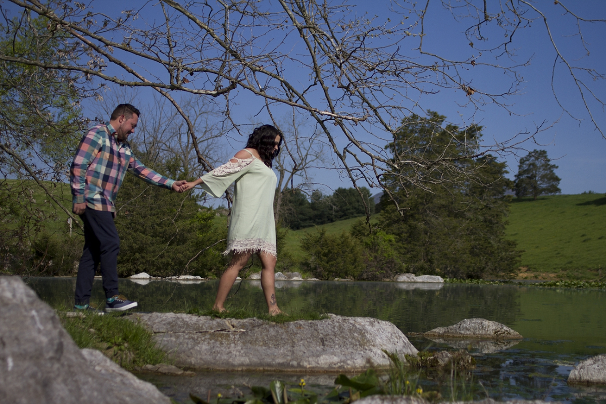 Big-Spring-Farm-Lexington-Engagement-Photos-_0001.jpg