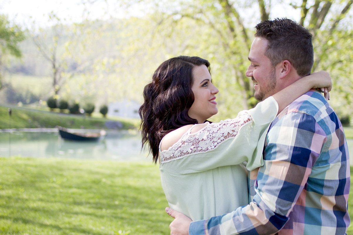 Big-Spring-Farm-Lexington-Engagement-Photos-_0003.jpg